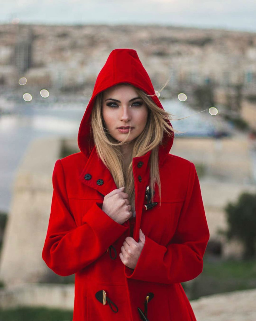 Lady in Red   Portraits by Caio Borém