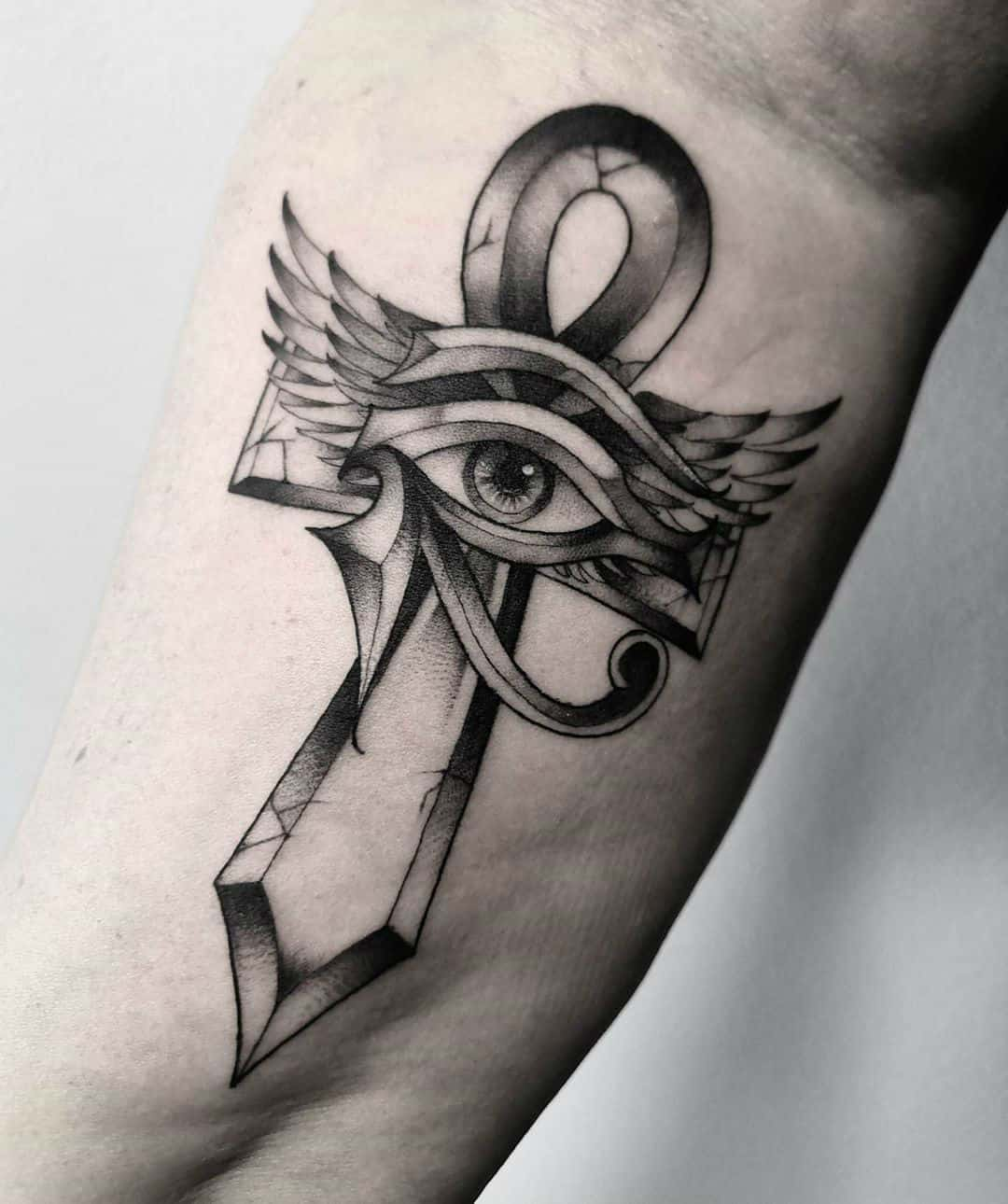 20 Powerful Ankh Tattoo Ideas – Analogy Behind the Ancient Symbol