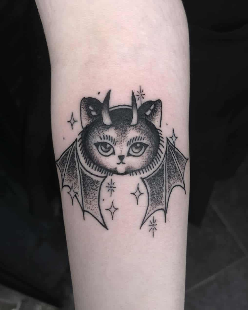 20+ Cool Bat Tattoos and Their Meanings