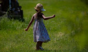 Dressing Your Little Daughter Might Be Tough: Here Are Some Great Ideas
